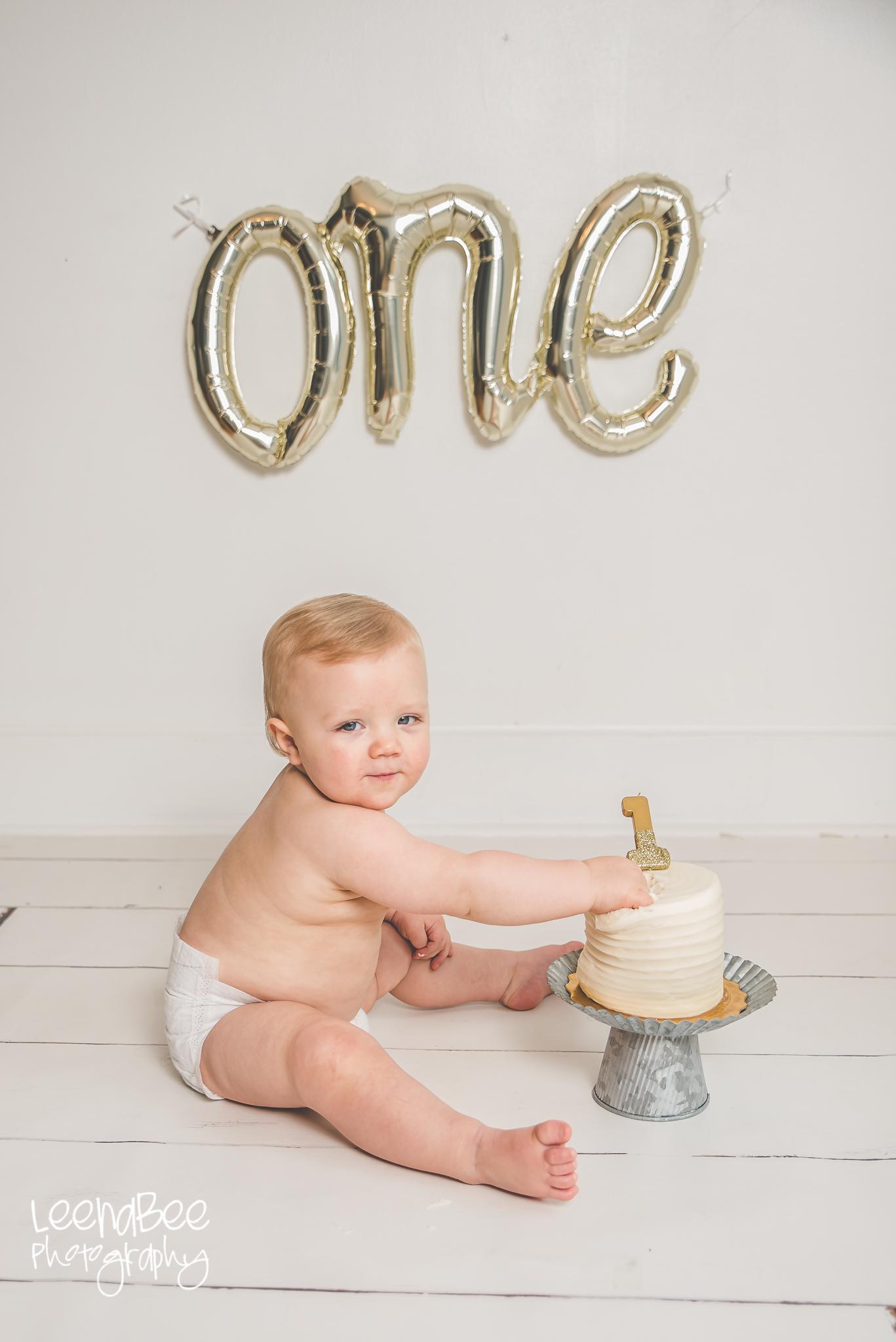Dublin ohio first birthday cake smash photography-8